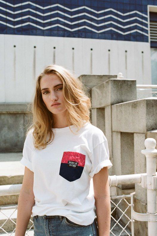 The Quiet Life Stil Laden Frau mit weißem Tshirt