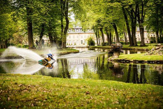 Wakeboarder bei Challenge in Schlossteich