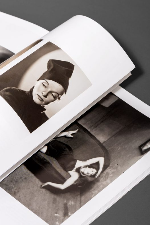 Portraits von Frauen im WestLicht Auktionskatalog