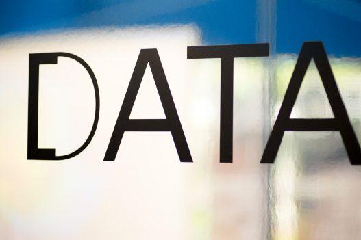 UAR Singapur Data