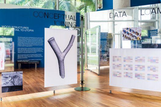 UAR Singapur Aufsteller mit Wood Structures