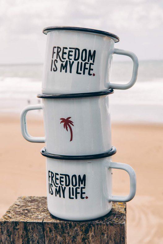 Sunlight Tassen mit Spruch Freedom is my Life.